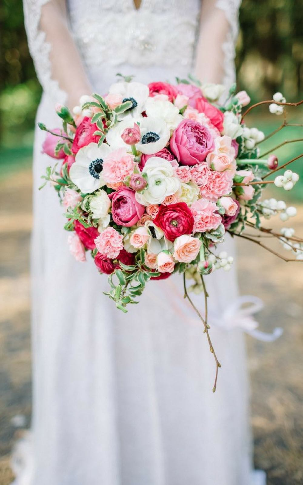 Fifty flowers review how i did my own wedding flowers with pictures how to do your own wedding flowers make wedding bouquet steps for diy flowers izmirmasajfo Choice Image