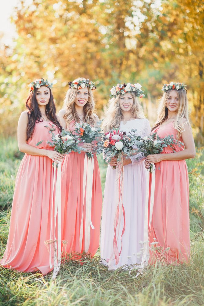 Save bridesmaids money | save wedding guest money | cost to be in a wedding | keep costs down bridesmaid