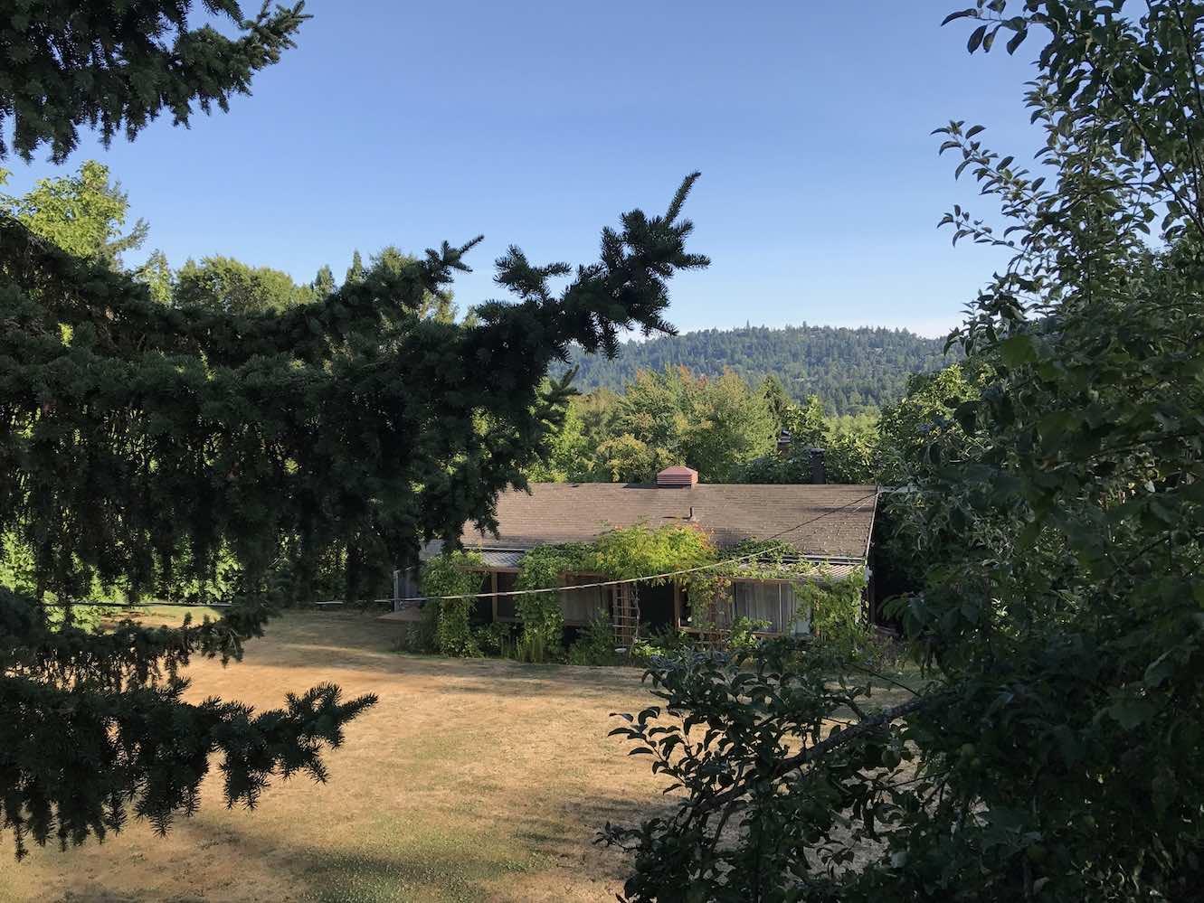 airbnb-backyard-cottage-portland
