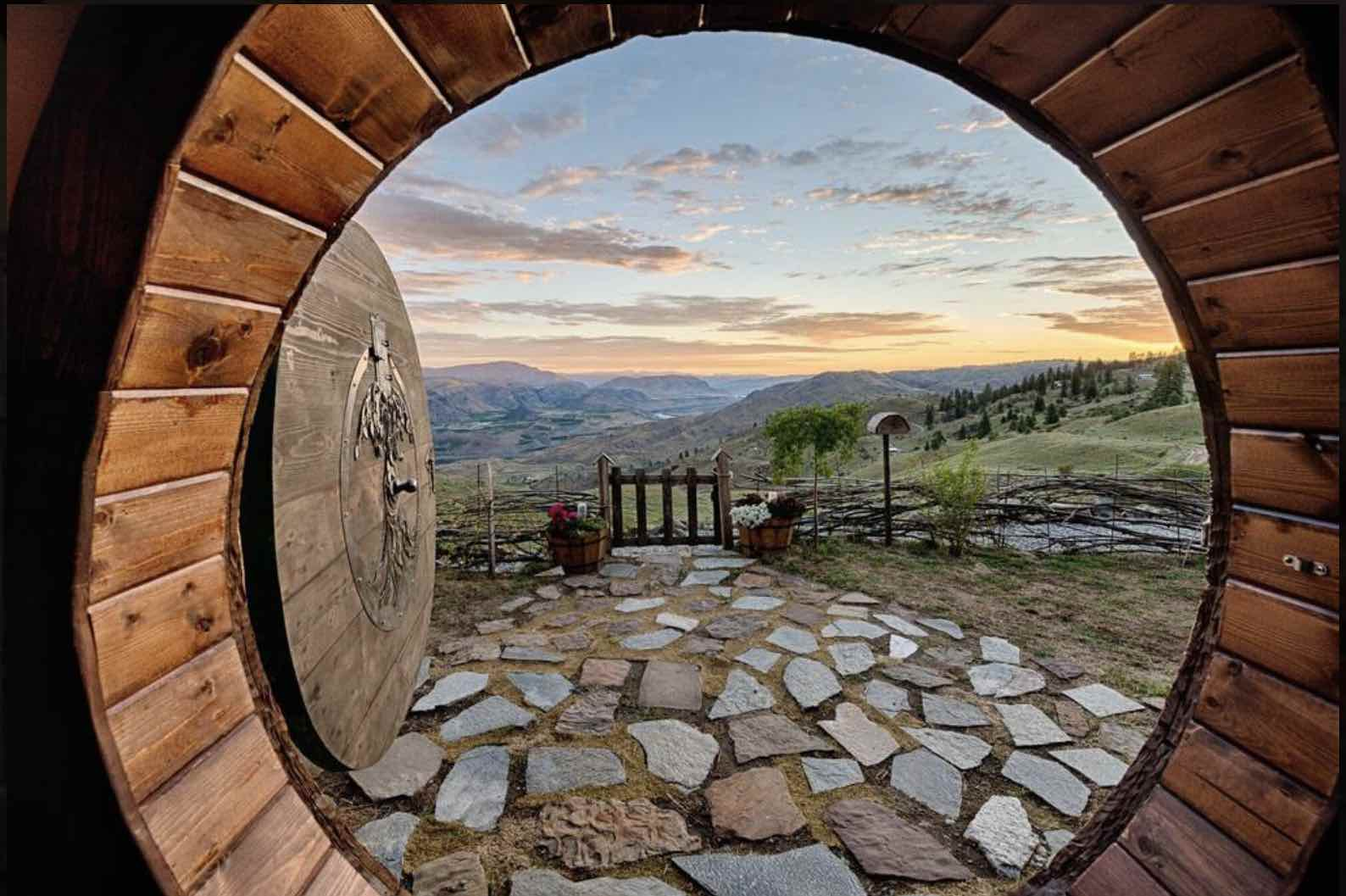 hobbit-house-orondo-washington