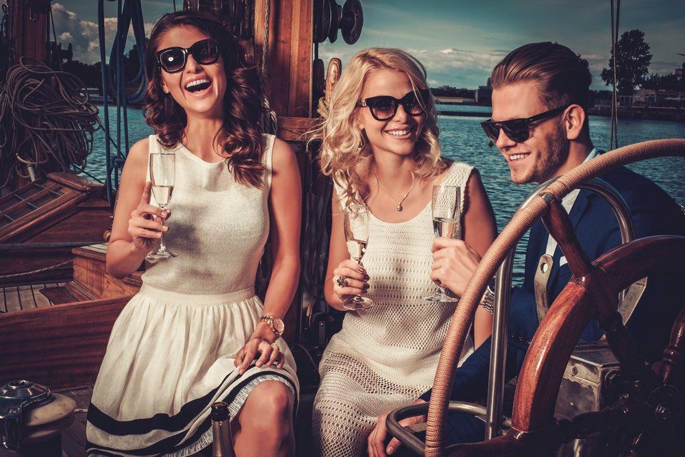 stylish-wealthy-friends