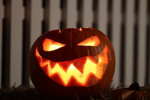 Halloween Adult Party Game Pumpkin Carving Contest
