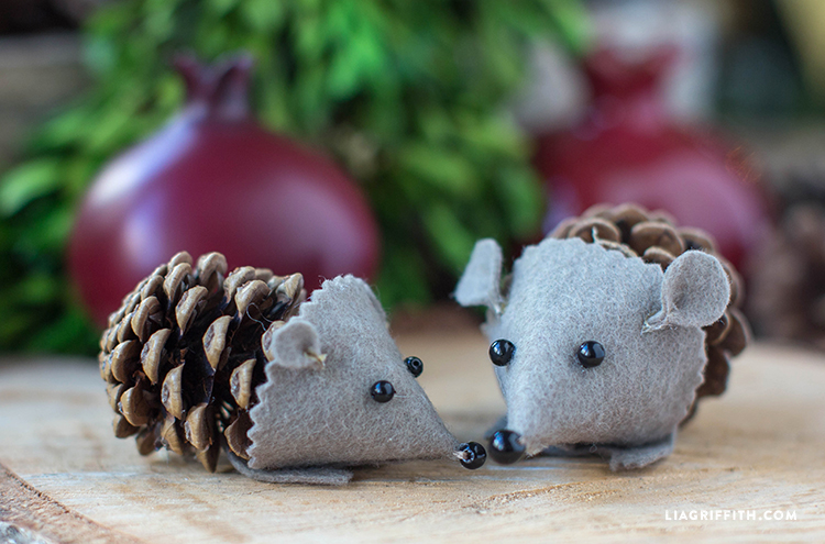 pinecone hedegehogs diy crafts for kids cheap easy