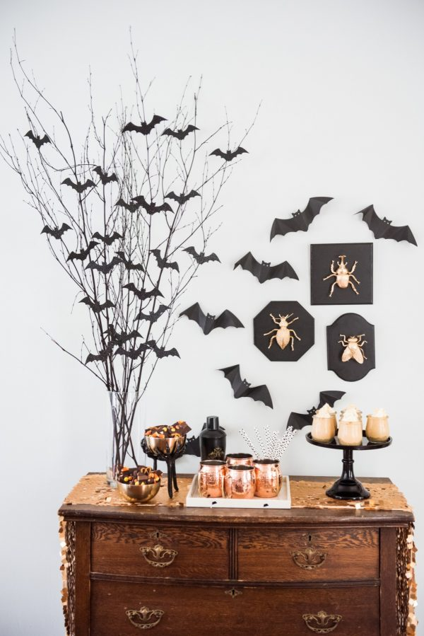 DIY halloween centerpiece bat