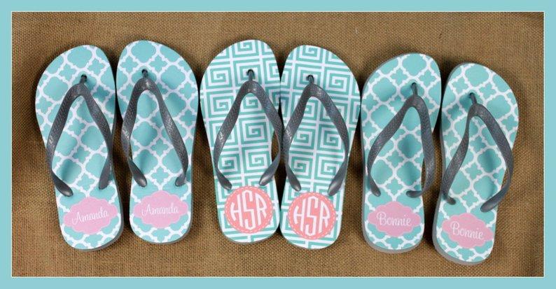 flip flops beach bag essentials