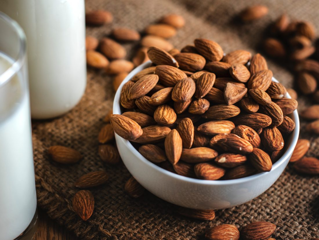 almonds beach snack