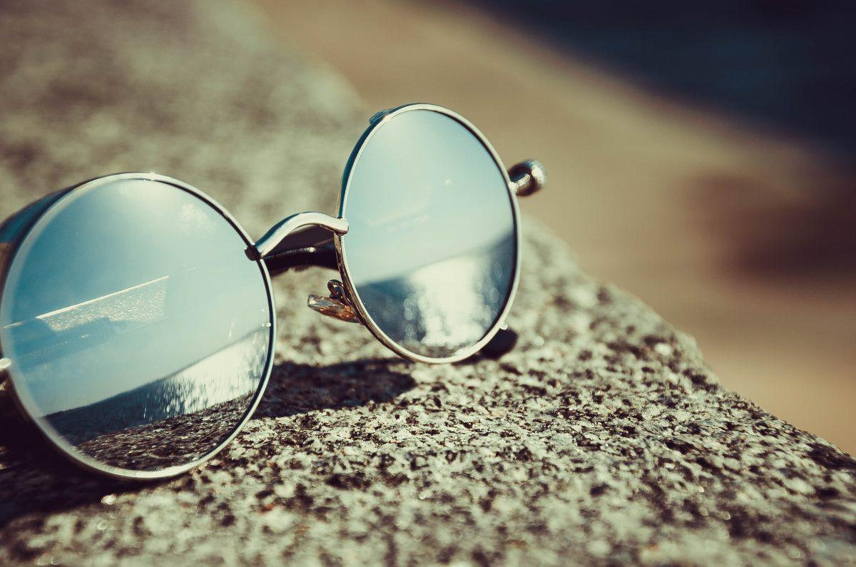 sunglasses beach bag