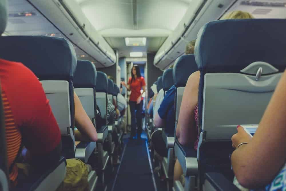 jobs that allow you to travel flight attendant