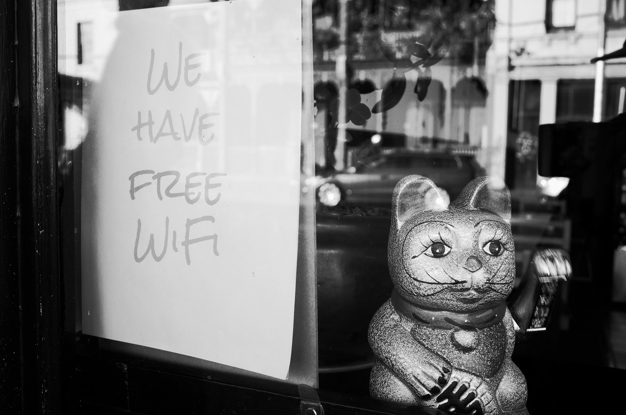 ultimate guide to getting free internet wi-fi home away