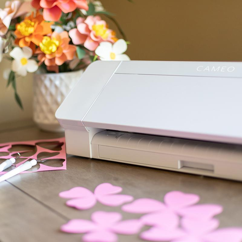 silhouette cameo diecutting machine best features highlights