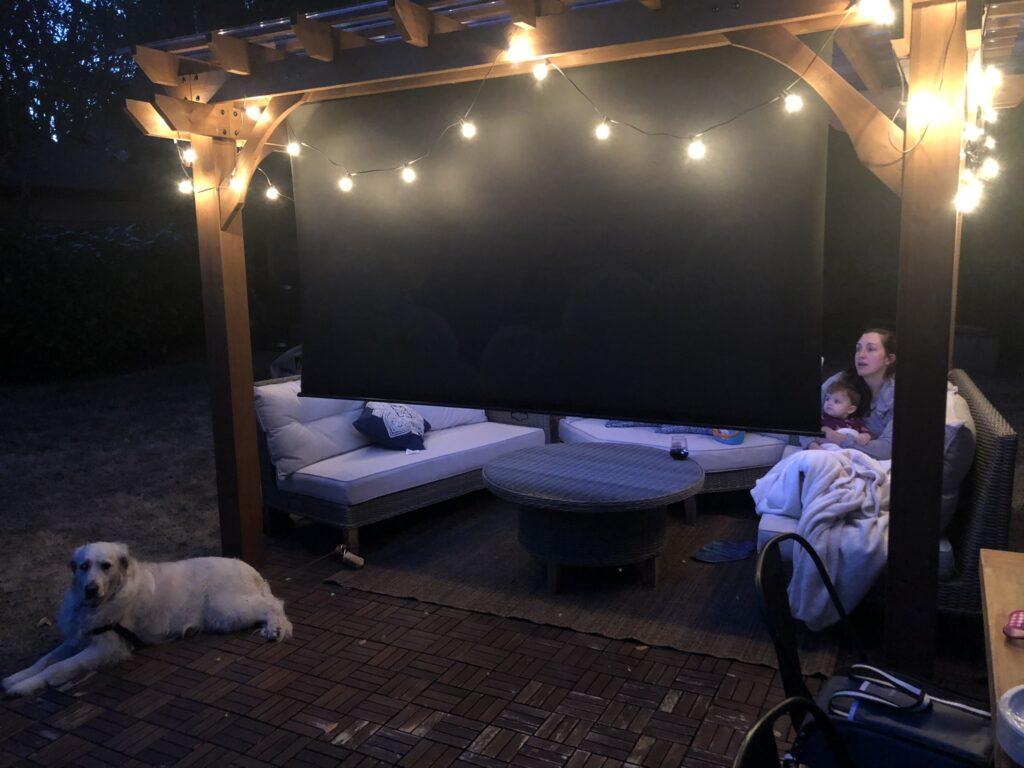 backyard-projector-screen-min